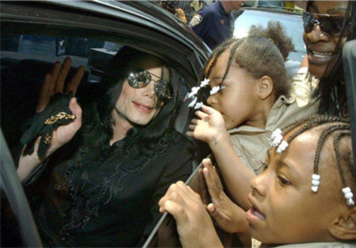 Popstar Michael Jackson - war er ein Kinderschänder?