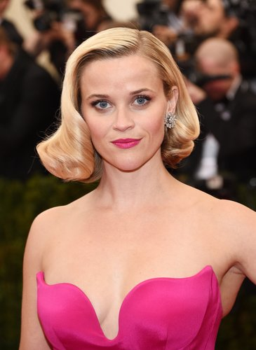 Reese Witherspoon: Inverted Bob im Retrostyle