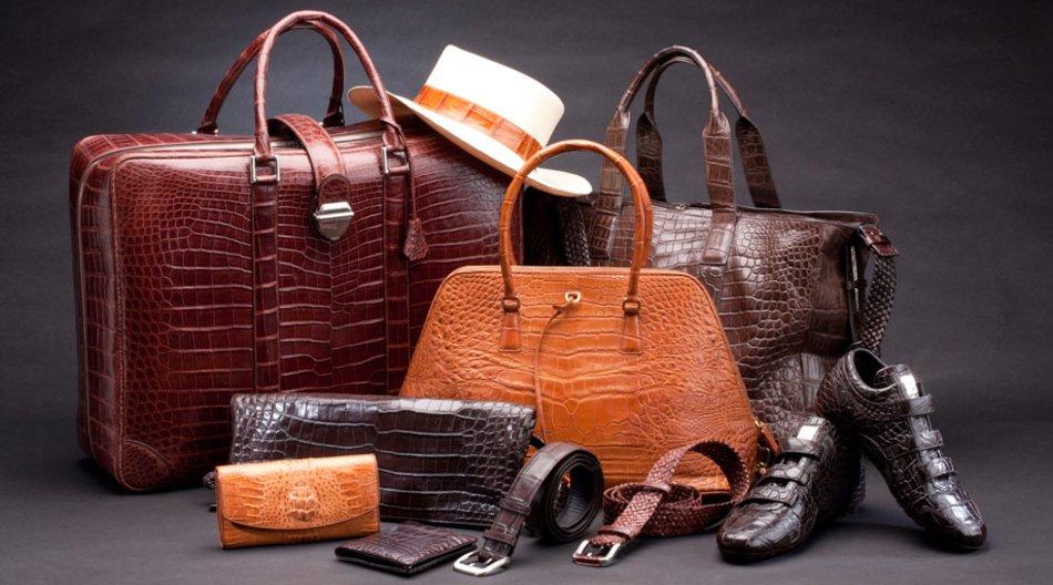 Hochwertig und besonders luxuriös sind Accessoires aus Leder.