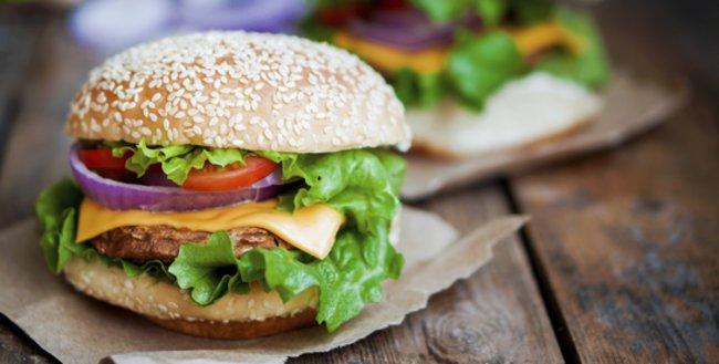 Dieser Veggie Burger könnte auch Fleischesser überzeugen