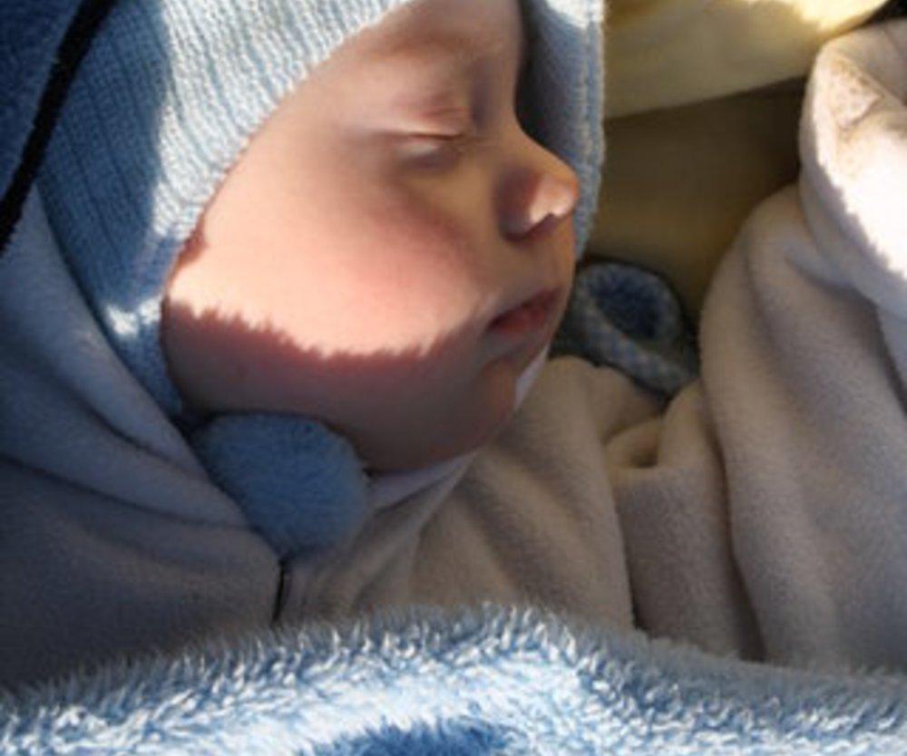 Babys schlafen nach eigenem Rhythmus