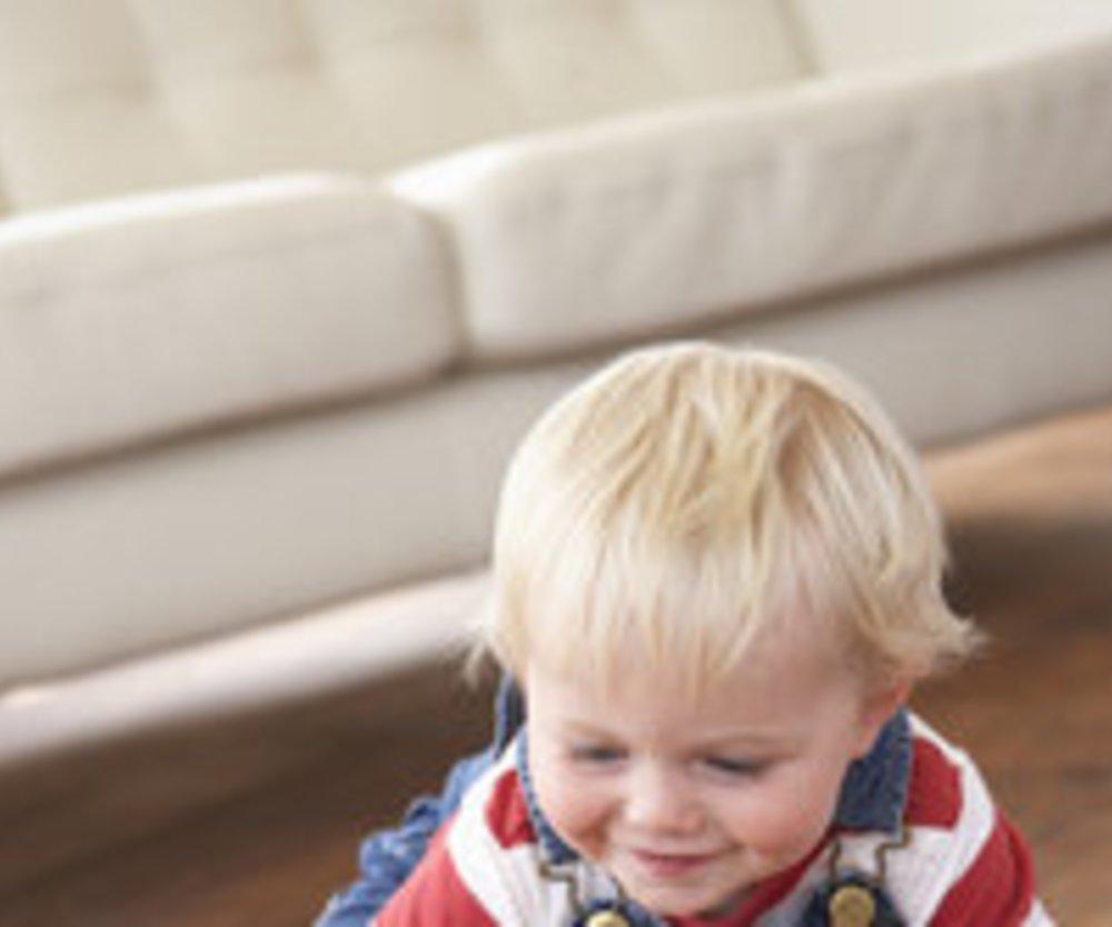 17.-18. Monat: Mit Bauklötzen spielt Dein Kind besonders gerne.