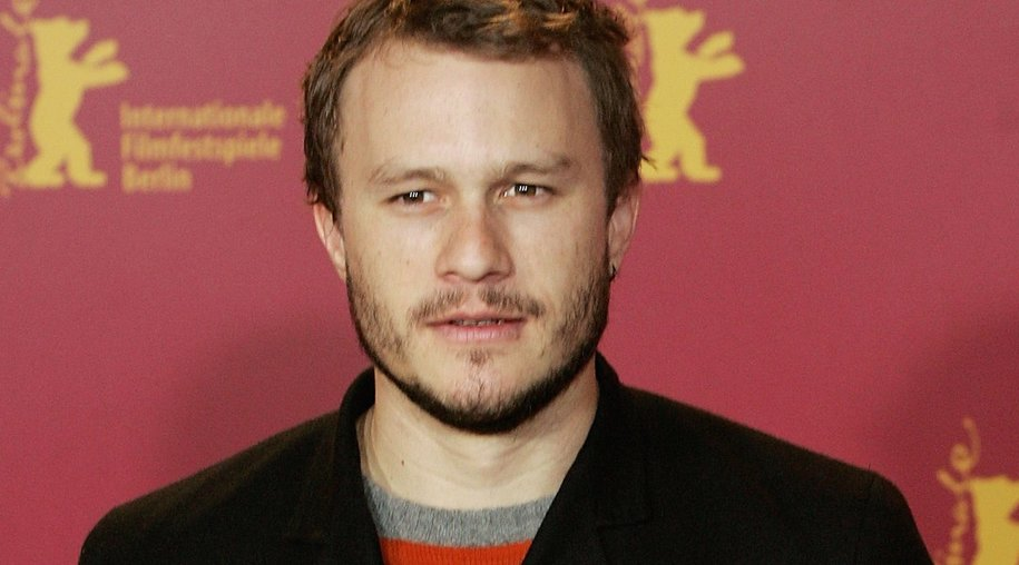 """BERLIN - FEBRUARY 15: Actor Heath Ledger attends the photocall for """"Candy"""" as part of the 56th Berlin International Film Festival (Berlinale) on February 15, 2006 in Berlin, Germany. (Photo by Sean Gallup/Getty Images)"""