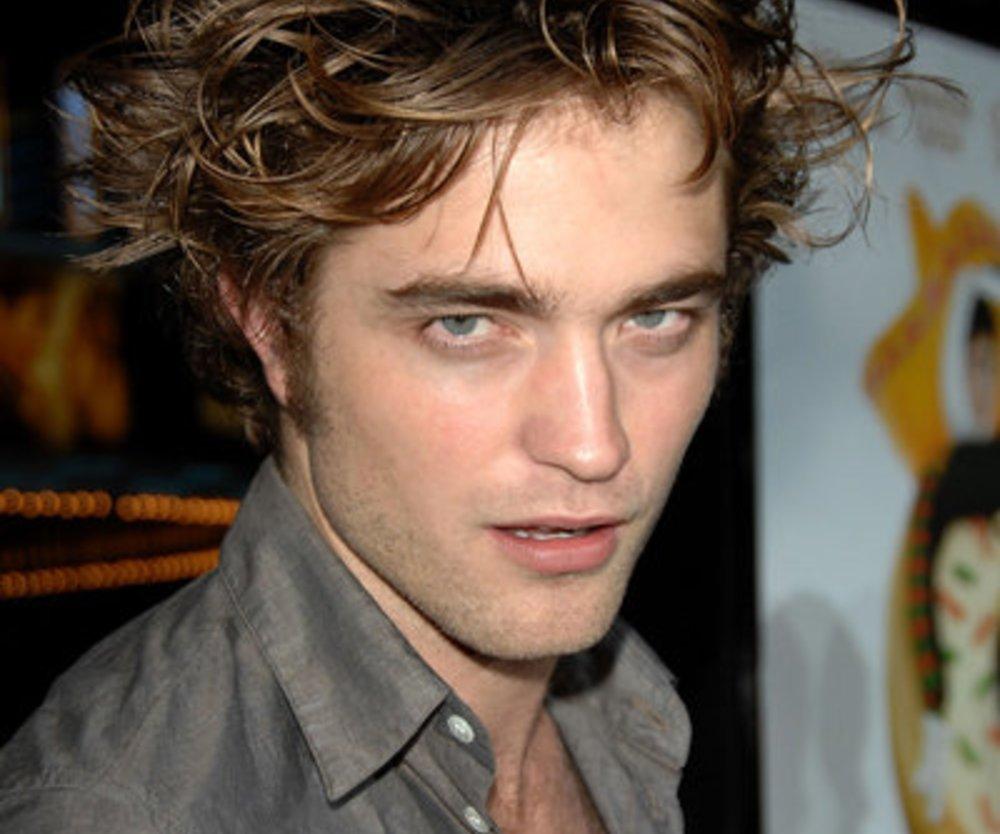 Robert Pattinson auf einer Filmpremiere