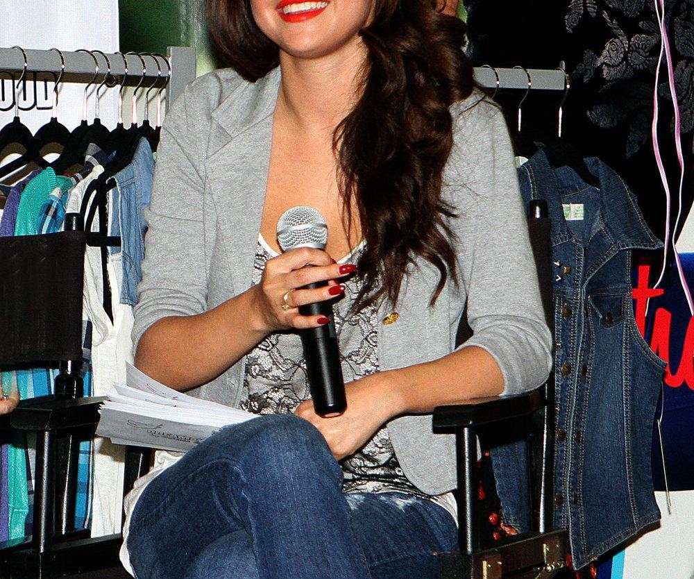 Selena Gomez: Sexy Leder-Auftritt!