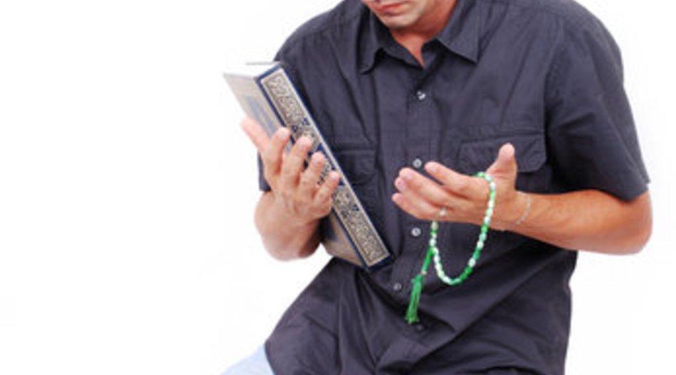 Gebete: Streit um muslimisches Mittagsgebete in Schule