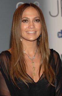 Jennifer Lopez mit Sleek Look