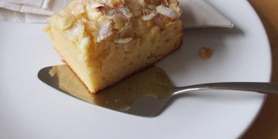 Zuckerkuchen mit VERPOORTEN ORIGINAL Eierlikör