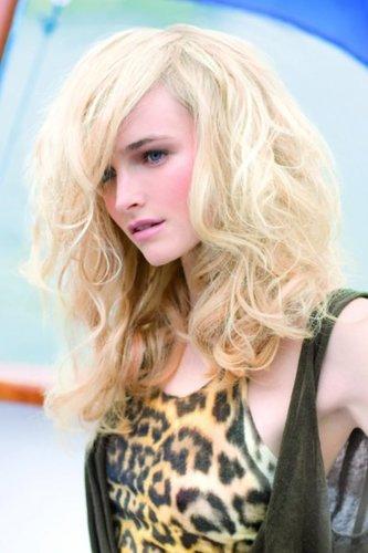 Wilde Wellen in Blond