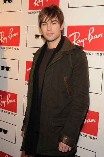 Chace Crawford: Ray Ban