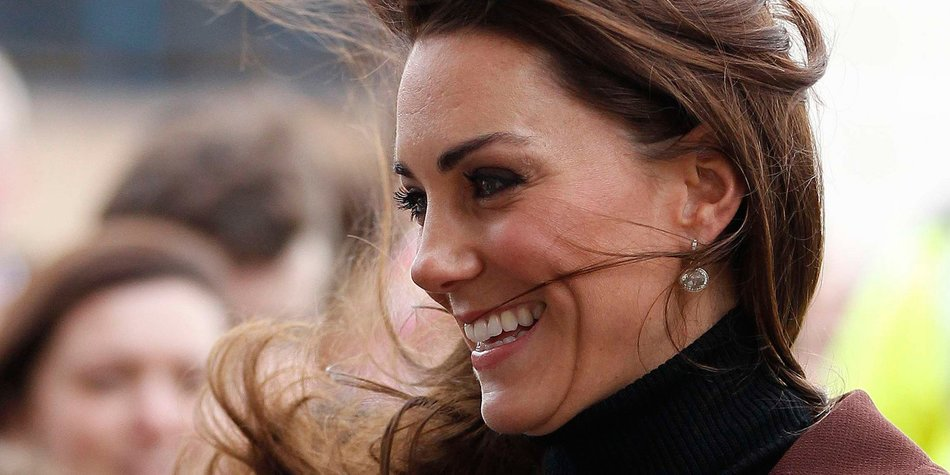 Kate Middleton allein in Liverpool