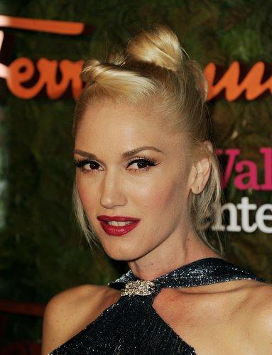 Gwen Stefani: Raffinierte Hochsteckfrisur