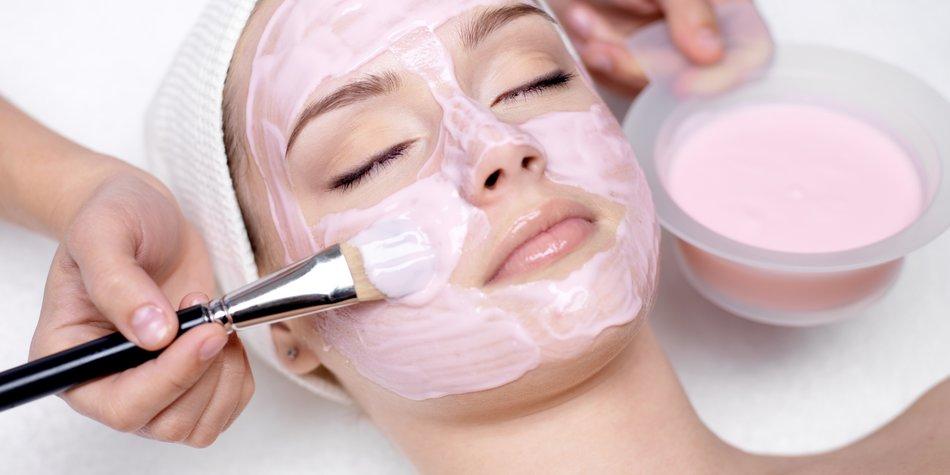 Rosa Tonerde-Maske
