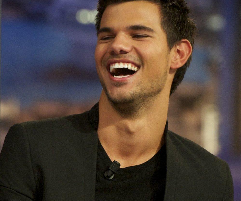 Taylor Lautner: Vorsicht bei Frauen!