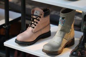 Stiefel aus Pinatex statt Leder