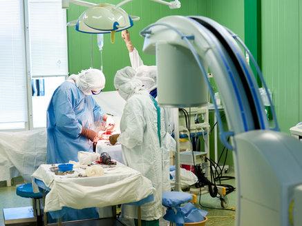 Ärzte setzen künstliches Herz bei einem 16 Monate alten Kleinkind ein.