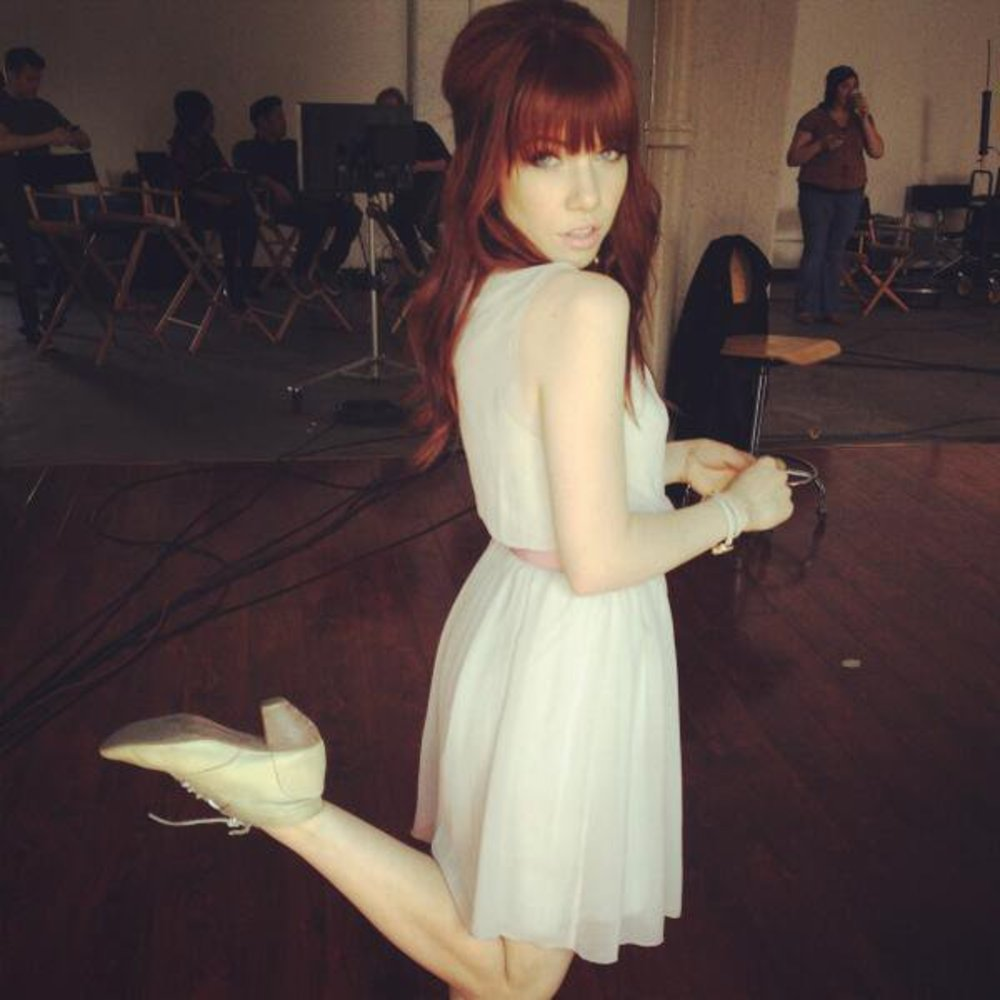 Carly Rae Jepsen hat rote Haare