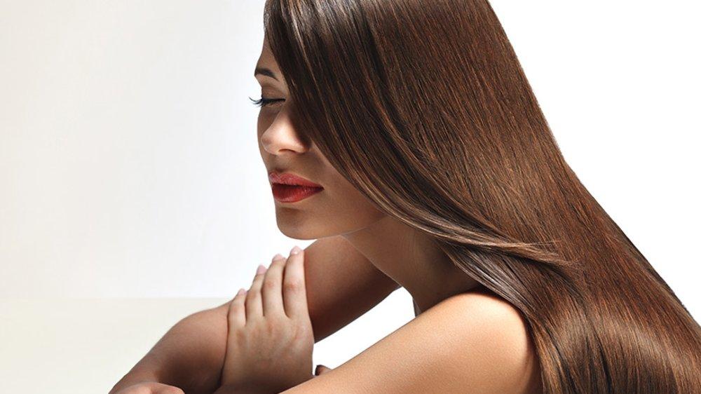 Haarpflege im Schlaf: Mit diesen Tipps wachen Sie am Morgen mit einer absoluten Traummähne auf.