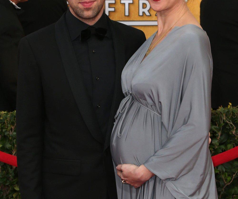 Big Bang Theory: Simon Helberg im Babyglück
