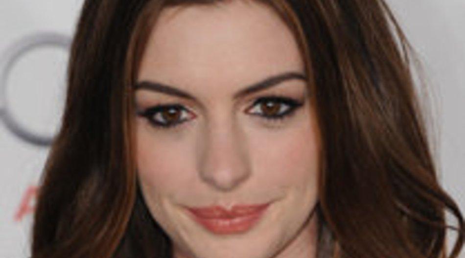 Anne Hathaway will zurück an die Uni