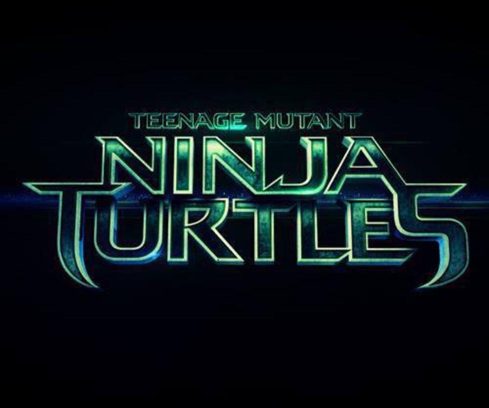 Junge mit Teenage Mutant Ninja Turtles T-Shirt fliegt aus Restaurant