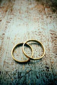 Goldene Hochzeit Goldschmuck Ringe