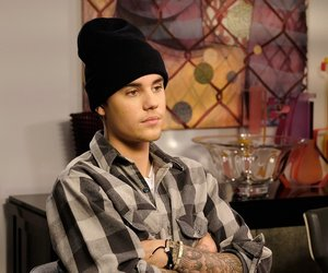 """Elvis Duran interviews Justin Bieber exclusively for """"Entertainment Tonight"""" on November 16, 2015 in New York City. *** Local Caption *** Elivs Duran; Justin Bieber"""
