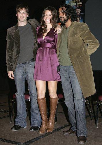 2006 war Evangeline Lilly mit ihren Kollegen auf dem roten Teppich