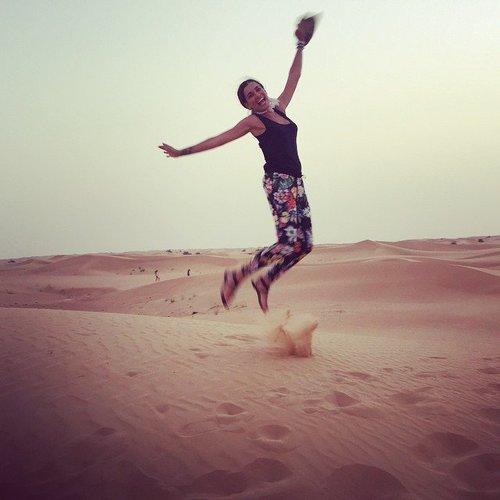 Jana Ina Zarrella grüßt fröhlich aus dem Urlaub