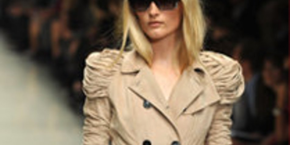 Burberry 2010: Elegantes Highlight auf der Fashion Week London