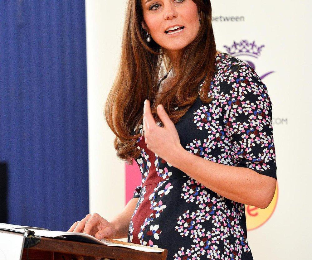 Kate Middleton zeigt endlich ihren süßen Babybauch