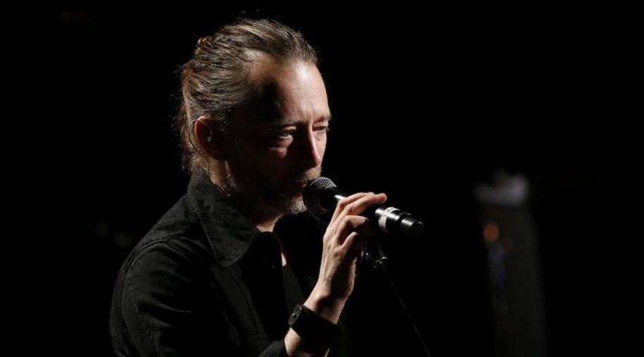 Thom Yorke macht es mit seiner Band Radiohead spannend.