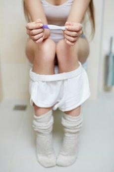 Warten Schwangerschaftstest