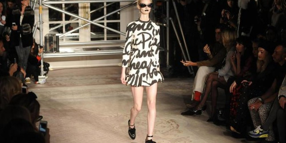 Outfit von Moschino bei der London Fashion Week 2013