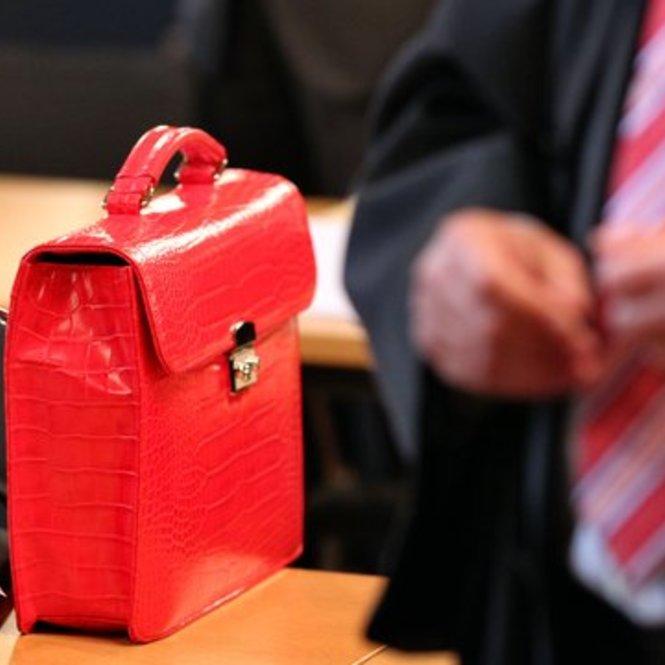 Mindestens eine Tasche sollte für den Job brauchbar sein.