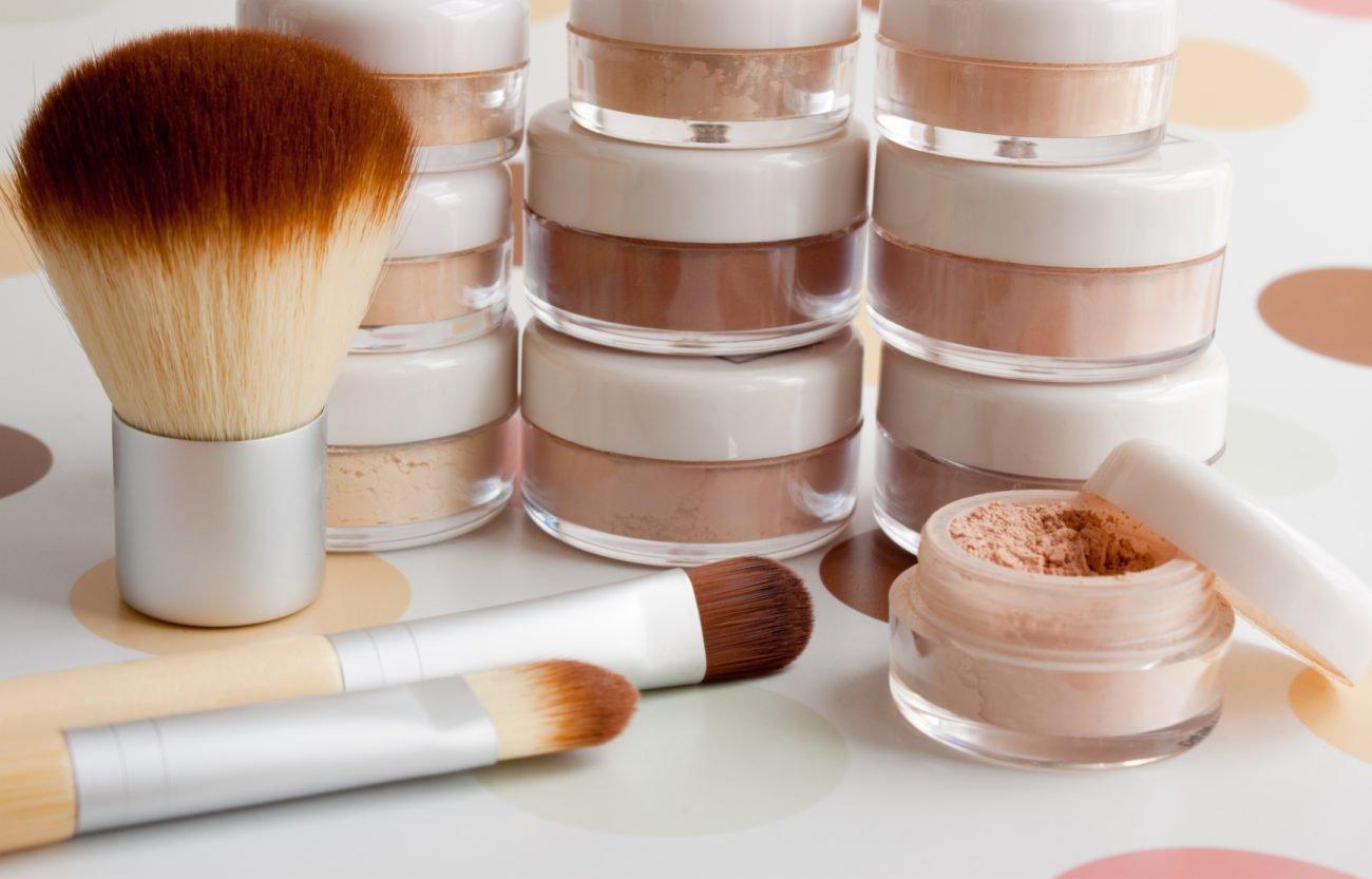 Mineral-Make-up mischen