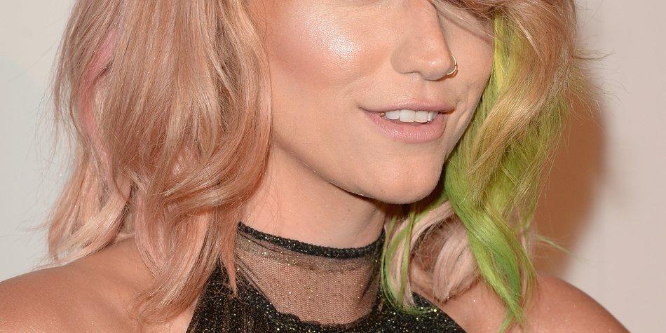 Kesha wechselt jede Woche ihre Haarfarbe