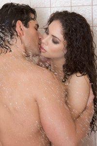 Sex am morgen unter der Dusche
