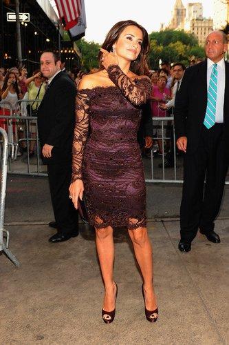 Penelope Cruz zeigt viel Haut