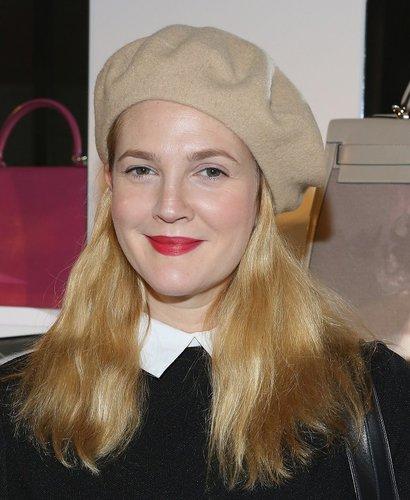 Drew Barrymore: Offenes Haar mit Baskenmütze