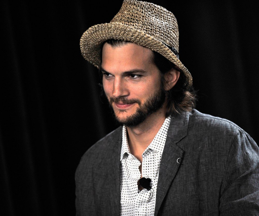 Ashton Kutcher hat Riesen-Caravan