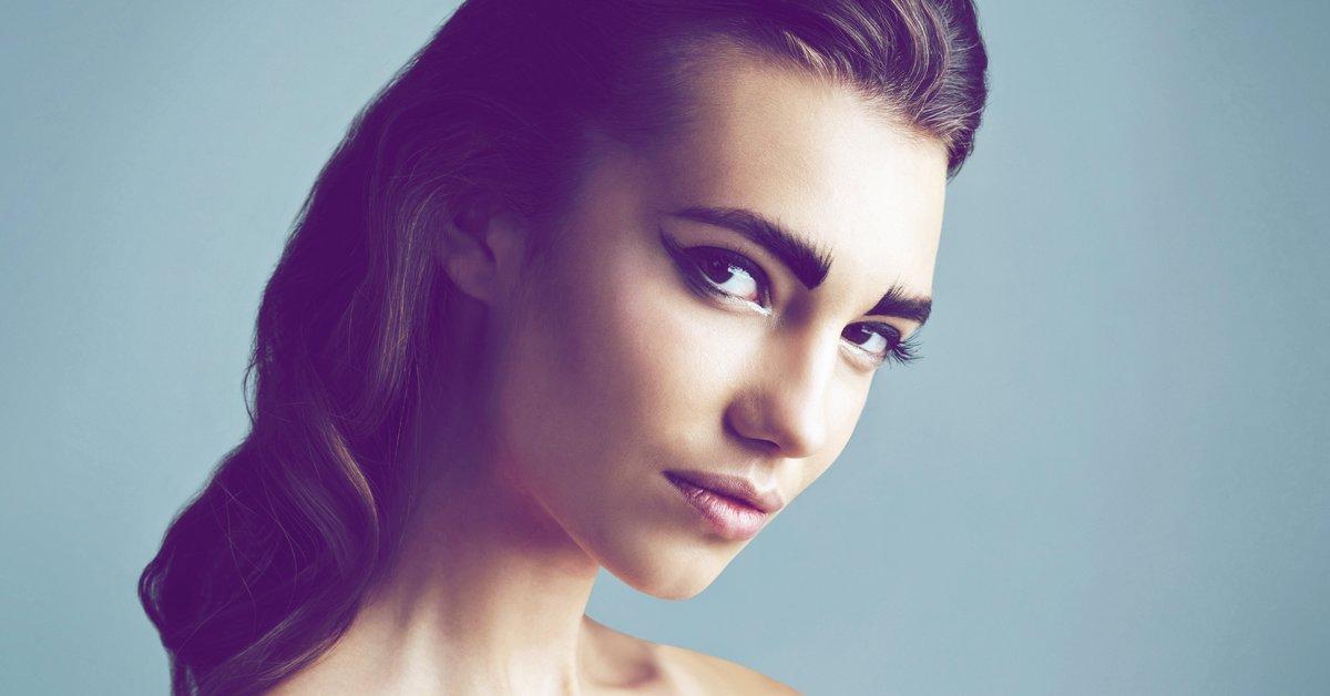 Augenbrauen-f-rben-So-gelingen-Form-und-Farbe-perfekt
