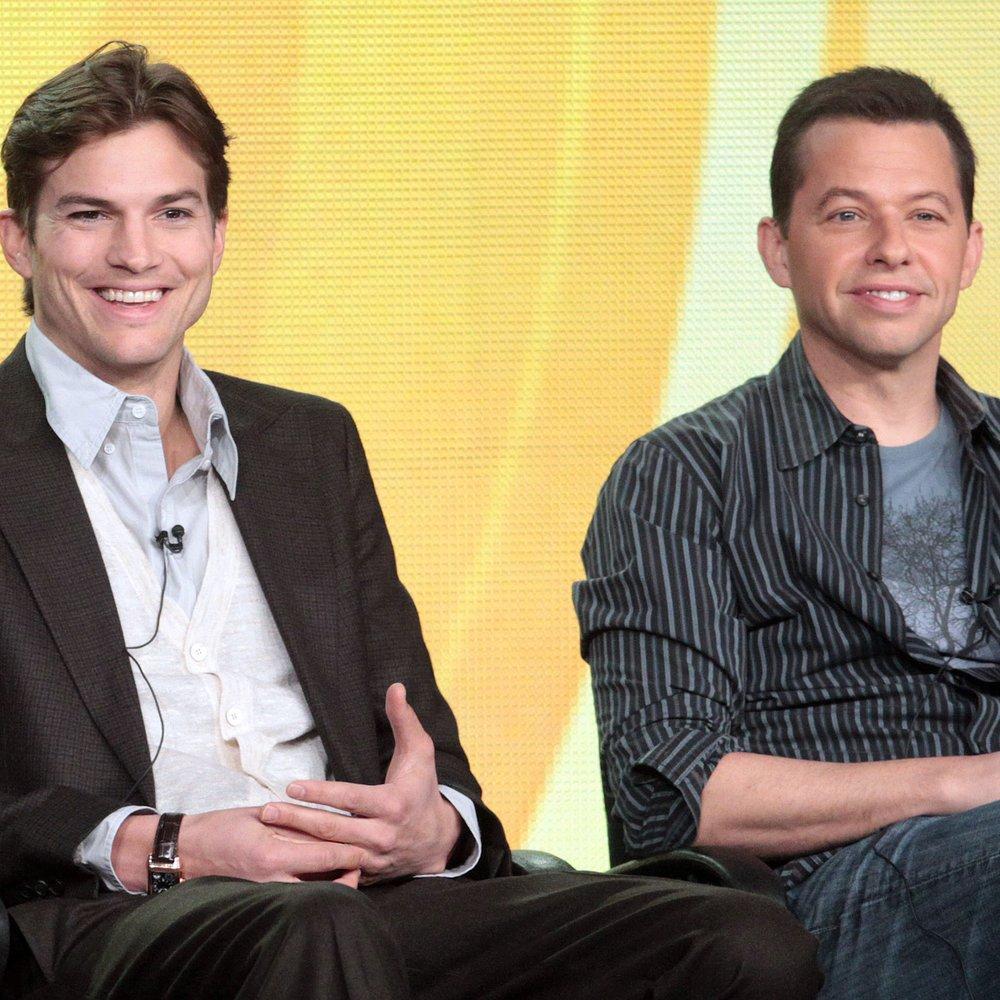Ashton Kutcher: So war der Kuss mit Jon Cryer