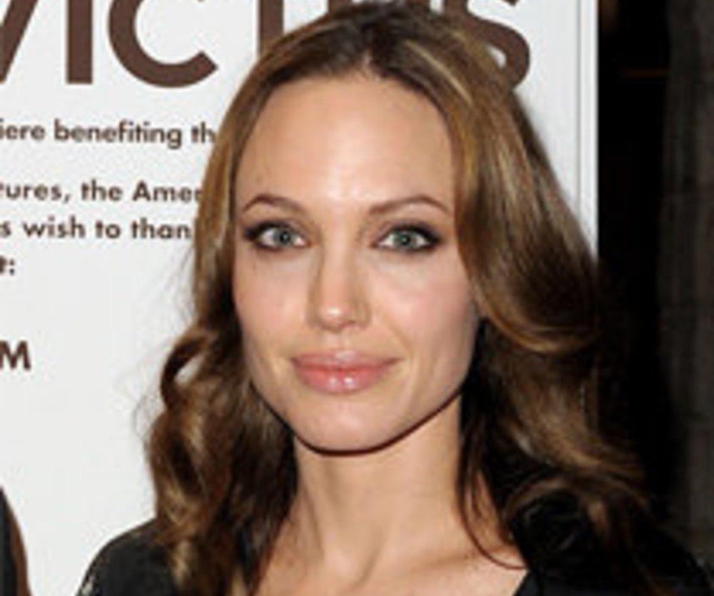 Angelina Jolie schlägt alle