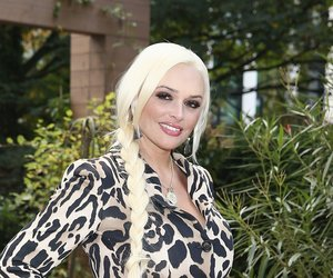 DUESSELDORF, GERMANY - OCTOBER 13: Daniela Katzenberger poses for a photograph during the launch of her new book 'Eine Tussi wird Mama' on October 13, 2015 in Duesseldorf, Germany. (Photo by Andreas Rentz/Getty Images)