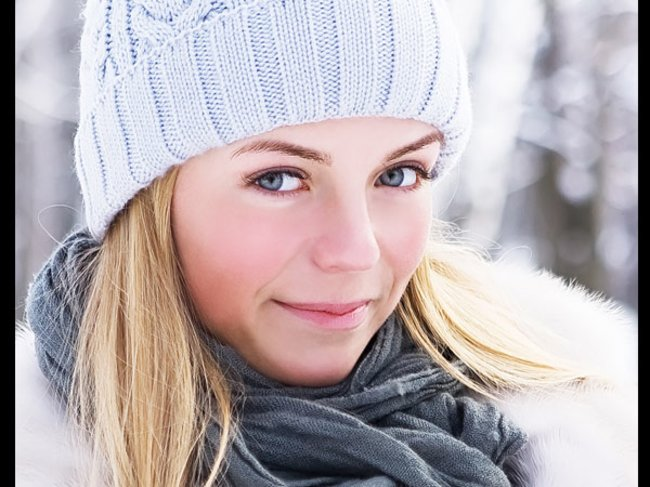 Model mit Mütze