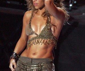 Shakira wollte eine Brust-OP