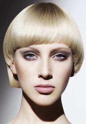 Hairstyling bei blondem Haar