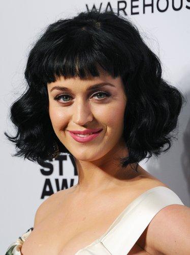 Katy Perry: Mondäne Wellen im Short Hair Look