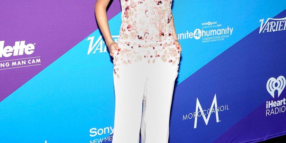 Selena Gomez gewinnt den Young Humanitarian Award